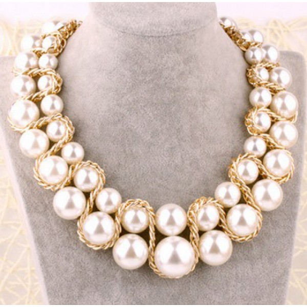 Pearl Necklace with Gold Chain