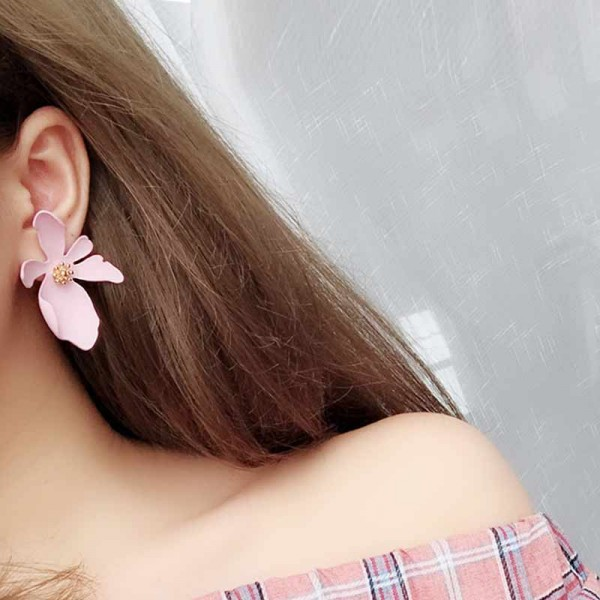 Daisy Ear Ring (Pink)