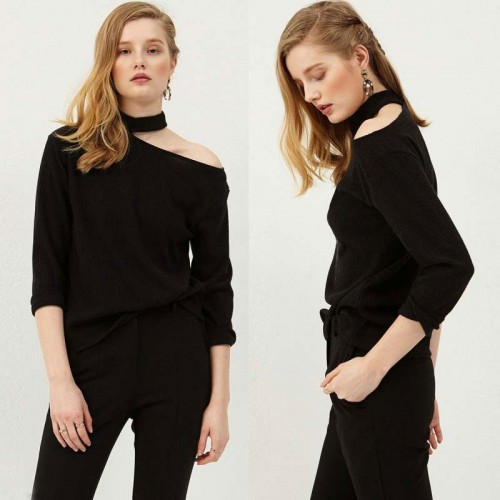 Choker Side Shoulder Black Top