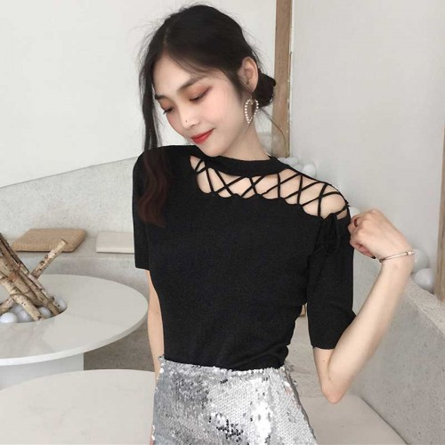 Blacl Hollow Straps Top (FREE SIZE)
